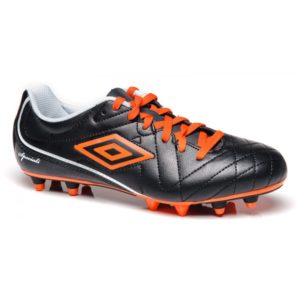 SOCCER BOOTS / CLEATS